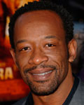Ficha de Lennie James