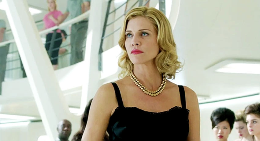 Ascension, con Tricia Helfer