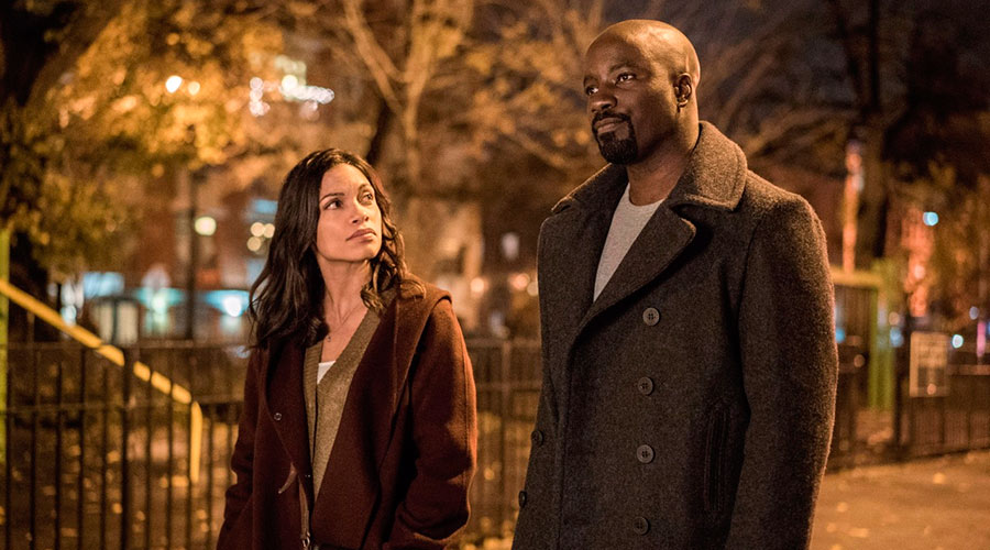Claire Temple y Luke Cage
